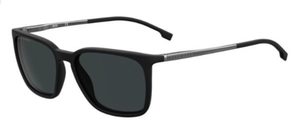Moška sončna očala Hugo Boss oglata oblika in črna barva. Optika Zajec